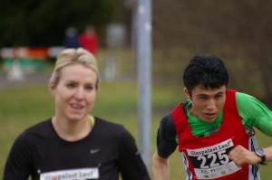 Esmat überholt die Frauensiegerin Judith Wagner