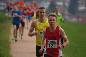 Nico Lehr vor Christian Lenk über 1600m