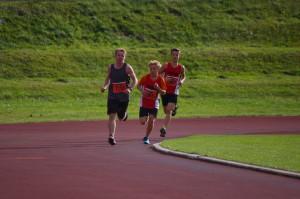 3 Loßburger im 2000m Lauf in Front